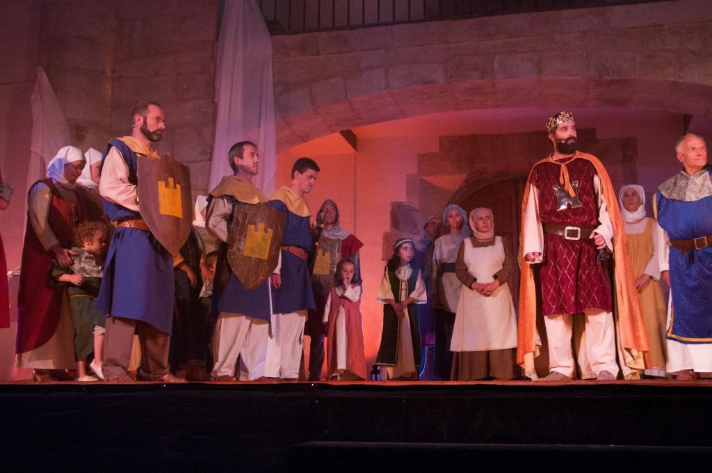 Representacion teatral de Espinosa, los Monteros